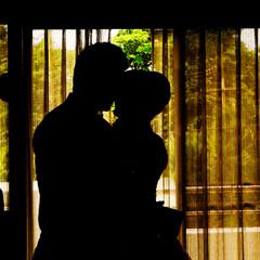 Silhouettes Kiss