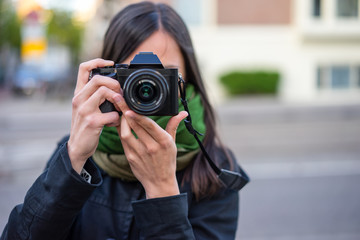 young woman posing photographer