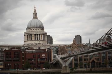 Catedral St Paul´s y Millennium Bridge, Londres