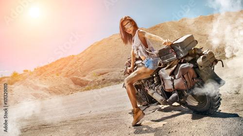 Девушка мотоцикл дорога загрузить