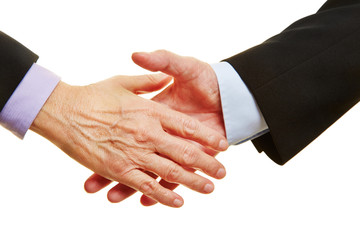 Hände kurz vor dem Händeschütteln