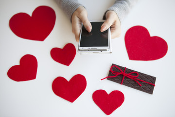 Women are sent a Valentine's Day reservation to men