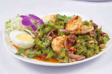 Spicy Winged Bean Salad with shrimp