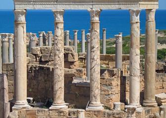 Libye, portique du théâtre romain à Leptis Magna