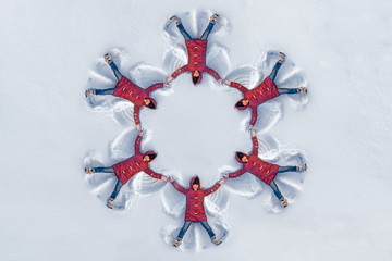 The girl on a snow angel shows, pattern