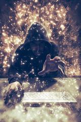 Hacker mit Kaputze, Hand greift nach Daten, digitales Composing