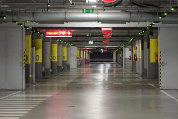 Garage nel centro commerciale