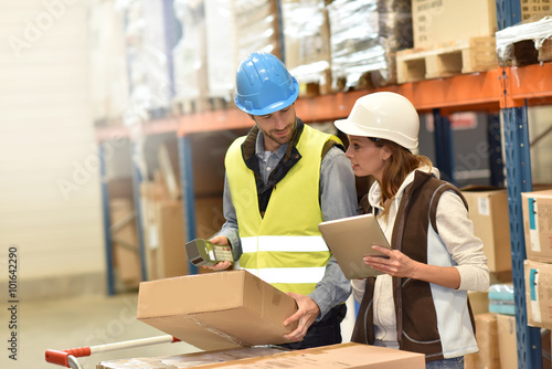 logistics management salary - HD2000×1334