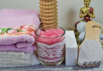 Autocollant pour porte Pique-nique Spa - Aromatic soap, scented bath salt, and oil, and accessories for massage and bath