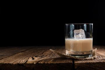 Glass with Cream Liqueur Fototapete