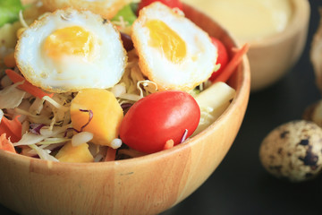 salad vegetable quail eggs