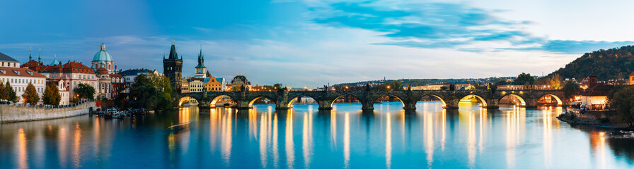 Poster Praag Night panorama scene with Charles Bridge in Prague, Czech Republ