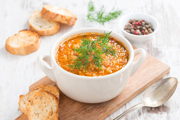 tomato soup with rice, vegetables and bread