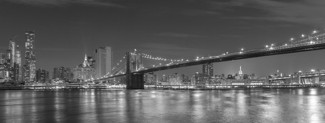 Brooklyn Bridge and Manhattan at night, New York City, USA