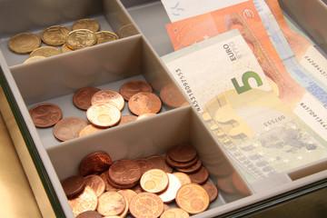 Kasse für Bargeld