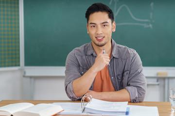 erfolgreicher student im unterricht