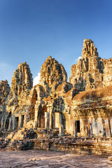 Fototapete - Mysterious ruins of ancient Bayon temple, Angkor Thom, Cambodia
