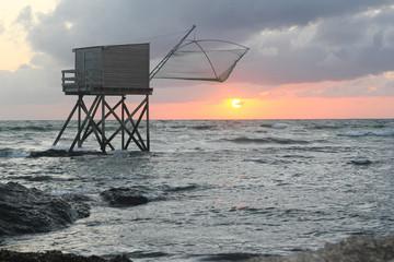 pêche au carrelet filet pêcherie ponton la plaine sur mer couché de soleil