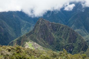 Vista insolita di Machu Picchu, sito inca patrimonio dell'umanità. Peru