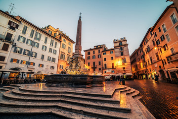 Fototapete - Rome, Italy: Piazza Rotonda in the morning