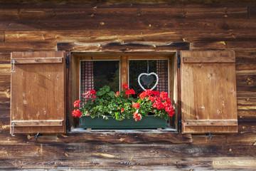 bilder und videos suchen h ttenfenster. Black Bedroom Furniture Sets. Home Design Ideas