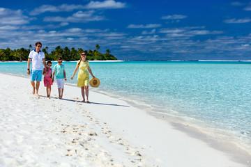 Poster Zanzibar Family on a tropical beach vacation