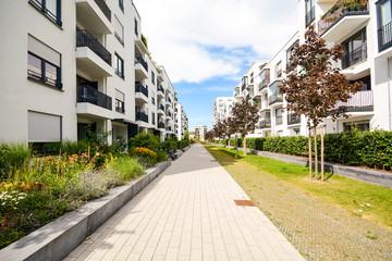 Moderne Mehrfamilienhäuser - Wohnen in der Stadt