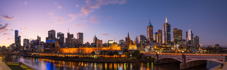 Stores photo Australie Melbourne cityscape panorama view in the twilight time of the day, Australia.