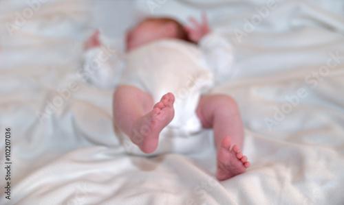 baby kleinkind wickeltisch wickeln stock photo and. Black Bedroom Furniture Sets. Home Design Ideas