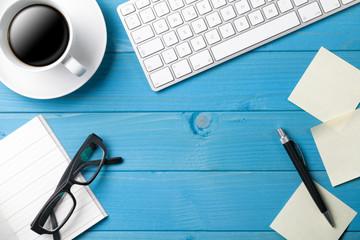 Büro Schreibtisch Hintergrund mit Kaffee Tasse
