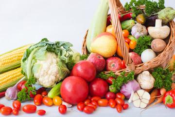Keuken foto achterwand Keuken fruits and vegetables pile close-up.