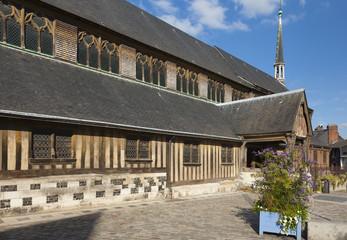 Honfleur - mittelalterliche Holzkirche Fototapete