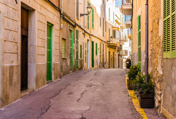 Fototapete - View of an mediterranean old town street