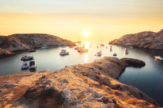 Coucher de soleil à la calanque de Morgiret, Île du Frioul, Marseille