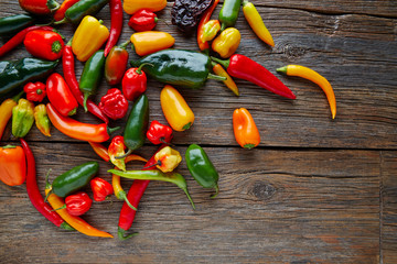 In de dag Hot chili peppers Mexican hot chili peppers colorful mix