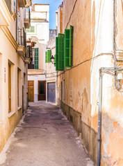 Wall Mural - Alte schmale Gasse Häuser mediterran wohnen