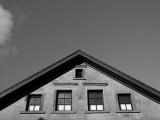 Spitzer Giebel eines schönen alten Hauses in der Altstadt von Oerlinghausen im Teutoburger Wald