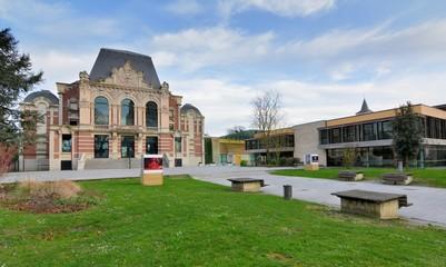 Le théatre et la médiathèque de Saint-Amand-les-Eaux. Nord