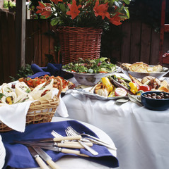Outdoor buffet