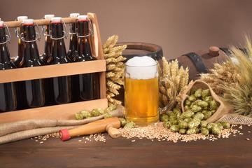 Bierträger mit Bierglas