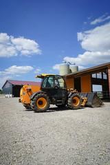 Landtechnik - Radlader auf Bauernhof