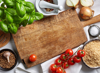 Photo sur Plexiglas Cuisine cooking background with old cutting board