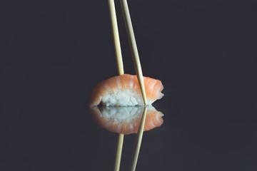 Sushi. l'ultima tendenza del momento nel mondo del cibo.