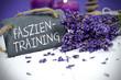 Lavendel mit Kreidetafel, Schiefertafel, Tafel mit Faszientraining