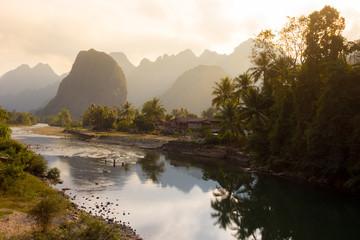 Mékong, au coucher du soleil, Laos