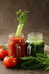 Fresh tomato juice and juice of spinach, celery (smoothies), detox and healthy food