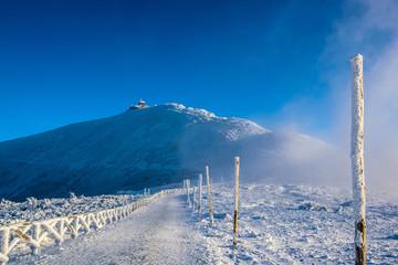 Zima krajobraz górski Śnieżka