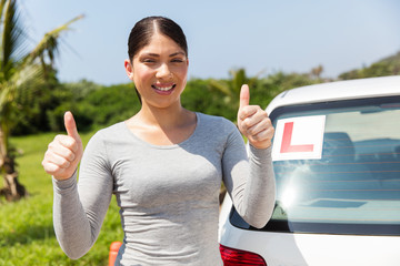 Fototapete - young student driver thumbs up