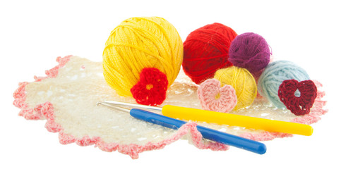 yellow, red, blue, grey ball of yarn, crochet red, pink hearts o