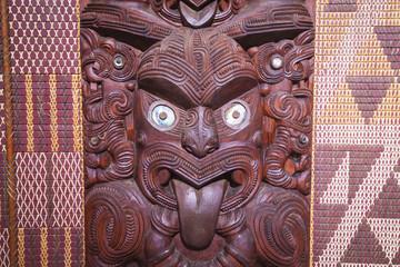 Maorischnitzereien